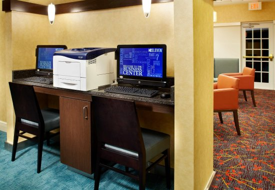 Oldsmar, FL: Business Center