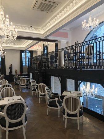 Notre salon de thé Opéra au premier étage