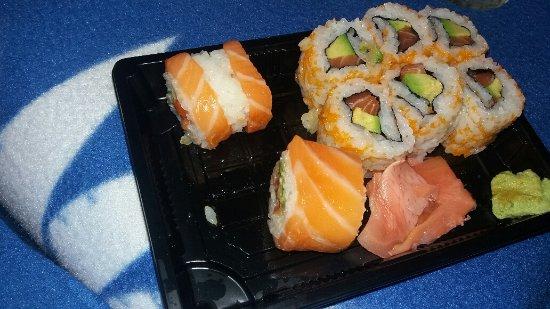 Bois Colombes, Fransa: Couverture de saumon est présenté coupé....bonne façon d'économiser!!