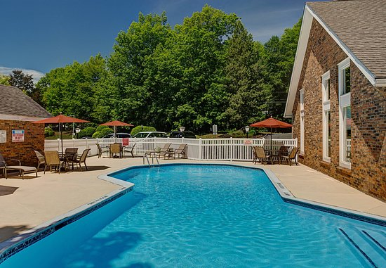 Windsor, CT: Outdoor Pool
