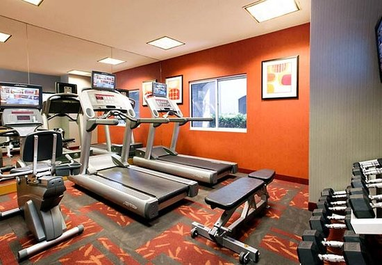 Fountain Valley, CA: Fitness Room