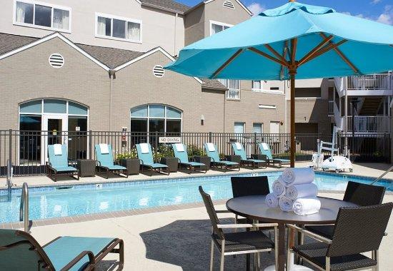 Warren, MI: Outdoor Pool