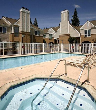 Pleasant Hill, Калифорния: Outdoor Whirlpool