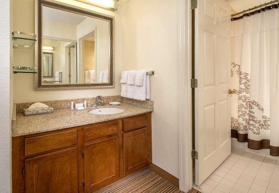 Charleston, WV: Suite Bathroom Vanity