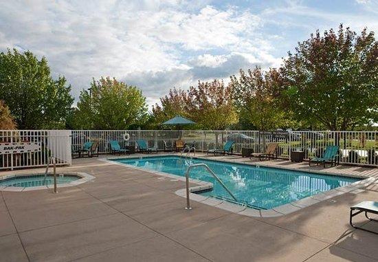 แกรนด์วิลล์, มิชิแกน: Outdoor Pool