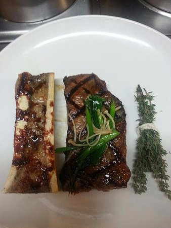 Rockwall, TX: roasted marrow bones and New York Strip