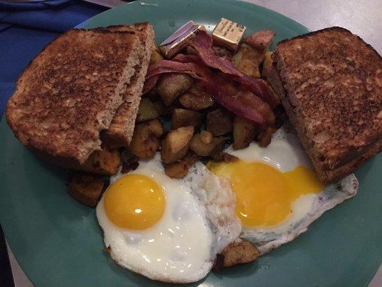 Canton, CT: Basic Breakfast