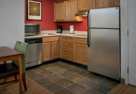 Andover, MA: Studio & One-Bedroom Suite Kitchen