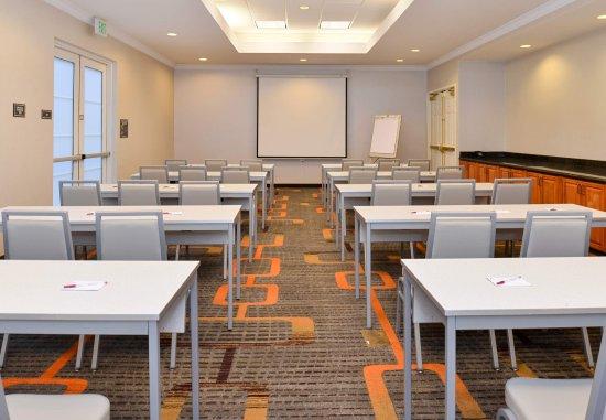 Los Altos, CA: Meeting Room - Classroom Setup