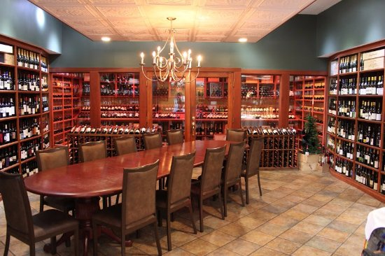 Akron, OH: Our Wine Room and Wine Shop