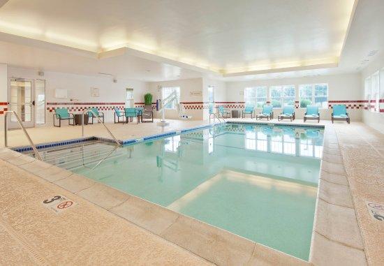 North Dartmouth, MA: Indoor Pool