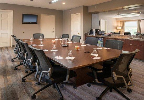 Residence Inn Frederick: Presidential Boardroom