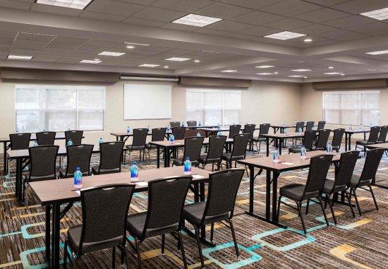 Los Alamitos, CA: Meeting Space - Classroom Setup