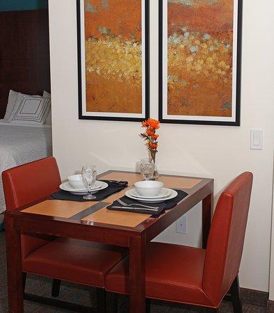 Sebring, Φλόριντα: Studio Suite    Dining Area
