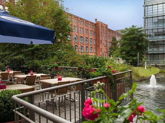 Victor's Residenz-Hotel Berlin-Tegel: Außenterrasse