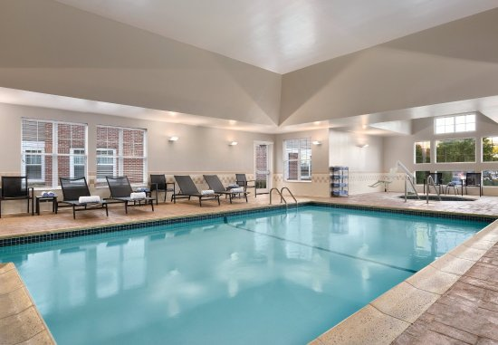 Middletown, RI: Indoor Pool
