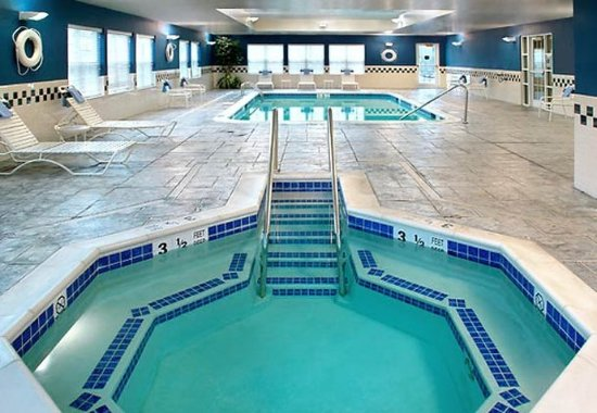 Holtsville, NY: Indoor Pool & Whirlpool