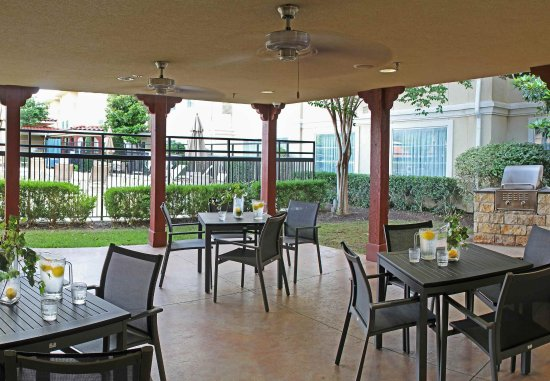 Temple, TX: Outdoor Patio & Grill