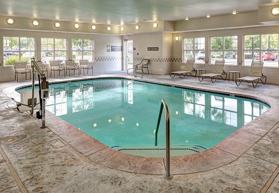 Residence Inn San Bernardino: Indoor Pool