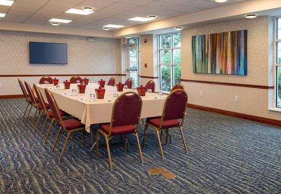 Dulles, VA: Meeting Room