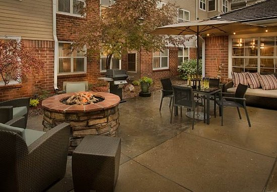 Lakewood, CO: Outdoor Patio