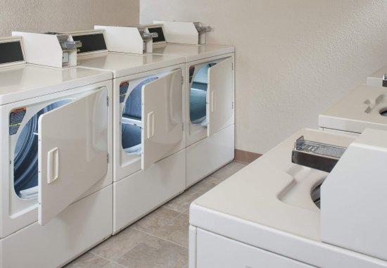 Findlay, Ohio: Laundry Facilities