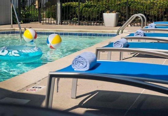 Findlay, Ohio: Outdoor Pool