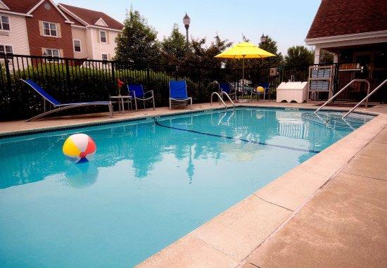 Tewksbury, Μασαχουσέτη: Outdoor Pool