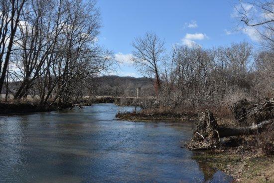 Roubidoux Creek & Spring: Roubidoux Creek
