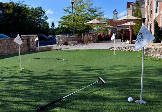 East Lansing, MI: Putting Green