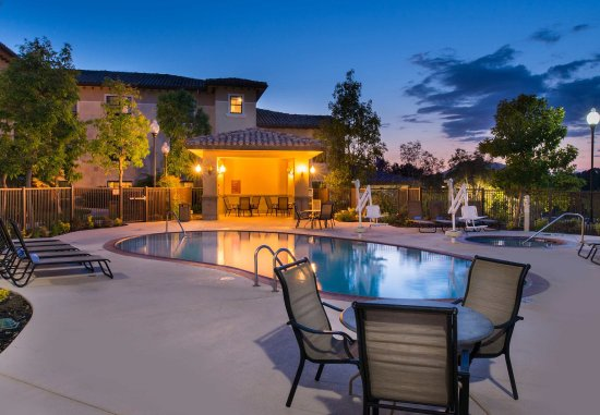 Thousand Oaks, CA: Outdoor Pool