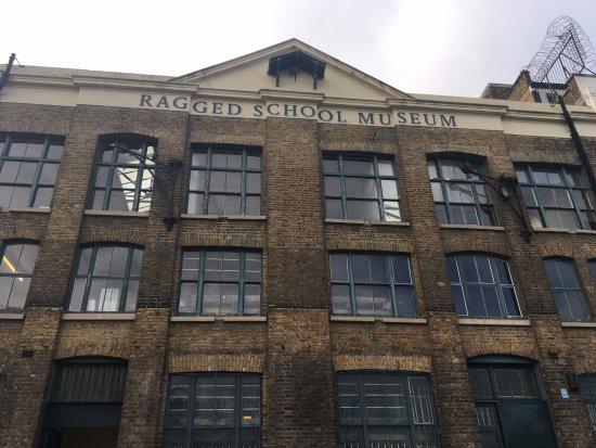 Ragged School Museum : Outside of the school.