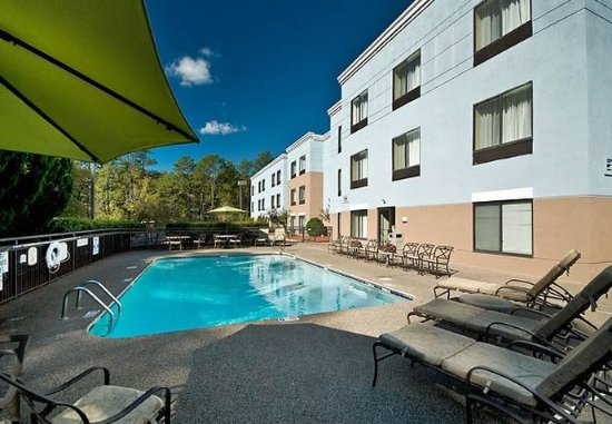 Pinehurst, Carolina do Norte: Outdoor Pool & Hot Tub