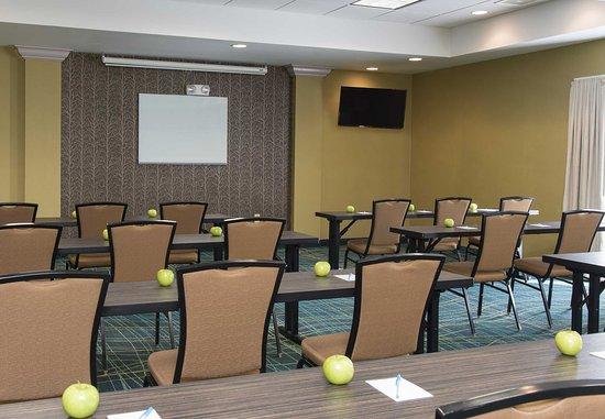 Peoria, IL: Meeting Room - Classroom Setup
