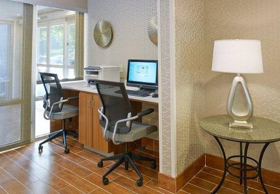 Lithia Springs, GA: Business Center