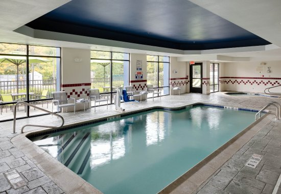 SpringHill Suites Milford: Indoor Pool & Hot Tub