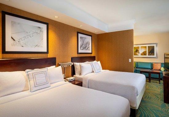 Modesto, CA: Queen/Queen Suite - Sleeping Area