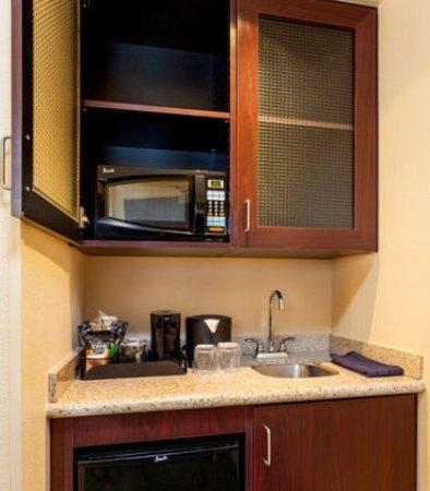 Modesto, CA: Suite Pantry