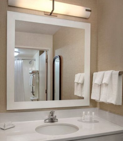 Willow Grove, PA: Suite Bathroom Vanity