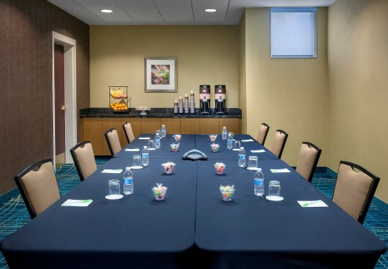 Willow Grove, PA: Meeting Room    Boardroom Setup