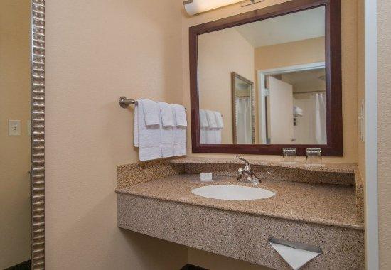 Hagerstown, MD: Suite Bathroom