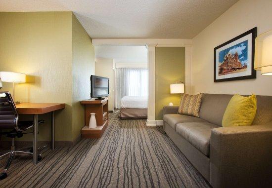 Eden Prairie, Minnesota: King Whirlpool Suite