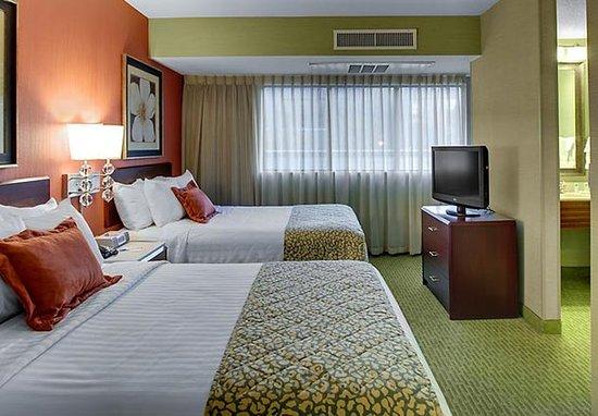 SpringHill Suites Memphis Downtown: Queen/Queen Suite
