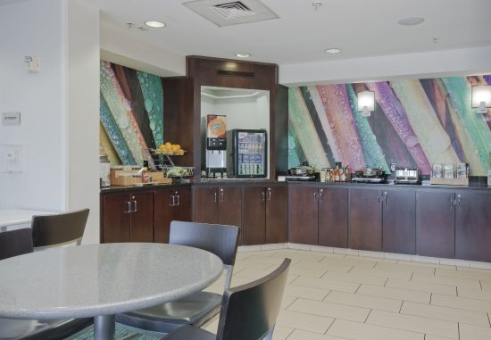 Walker, MI: Breakfast Buffet