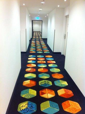 39 the corridor to our room bild von arthotel ana for Designhotel leipzig