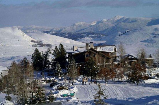 Winthrop, واشنطن: Sun Mountain Lodge winter evening