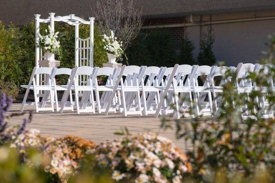 East Windsor, NJ: Outdoor Wedding Ceremonies at the Windsor Ballroom NJ Venue