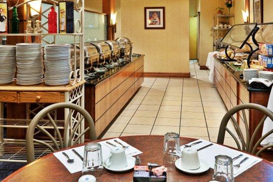 Hopkinsville, KY: The Breakfast Buffet Line