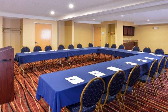 Oswego, IL: Meeting Room