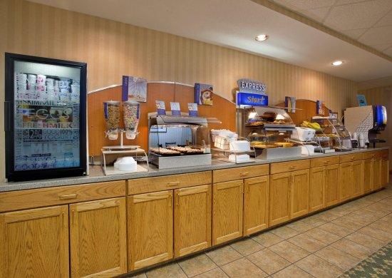 Mount Pleasant, PA: Breakfast Bar